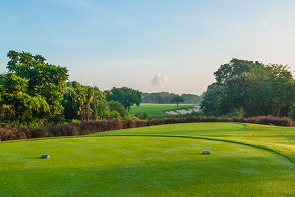 Bali National Golf Club  - 18 holes US$ 155